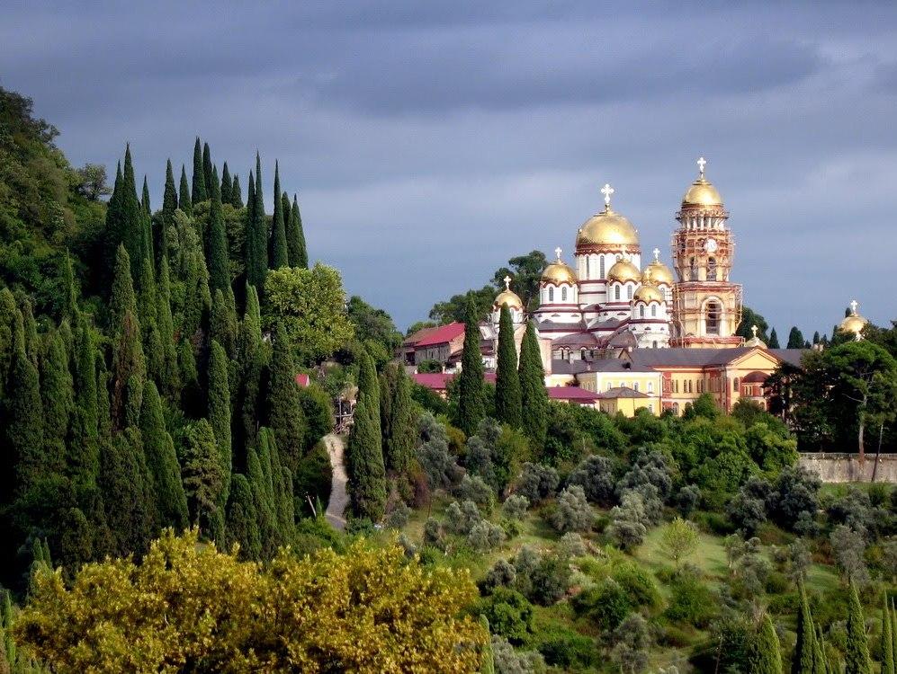 Картинки по запросу новоафонский монастырь фото