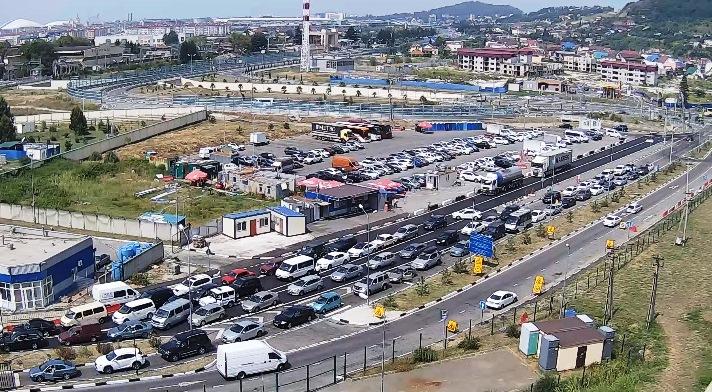 Вебкамера МАПП «Адлер» - автомобильный въезд в Абхазию со стороны России