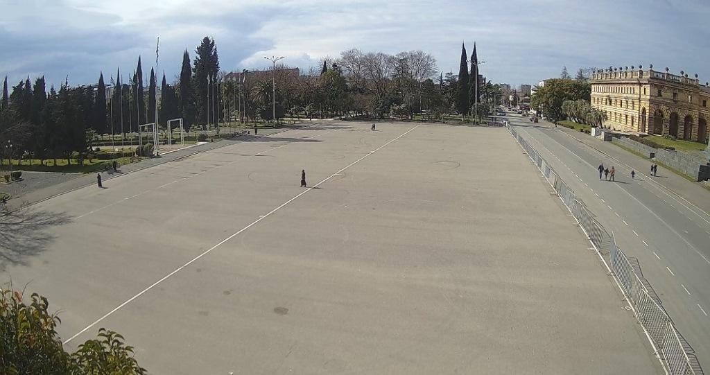 Вебкамера в Сухуме на площади Свободы