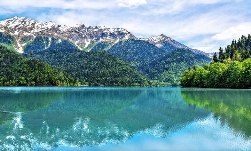 Панорамная вебкамера на озере Рица (Абхазия)