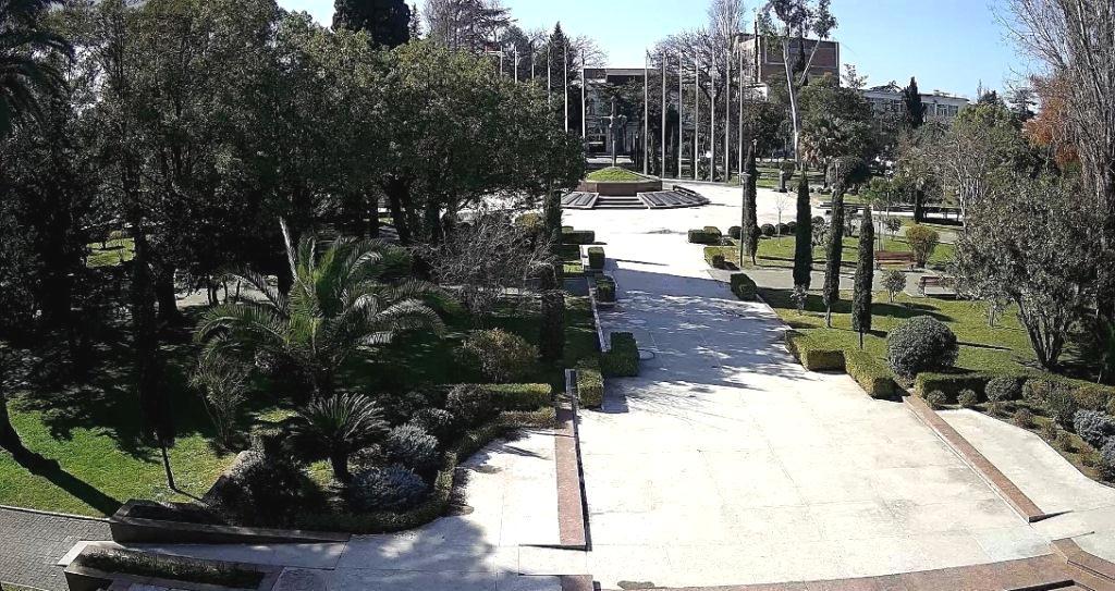 Вебкамера в Сухуме в Парке Славы
